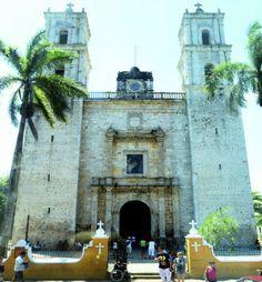 """Al llegar a la pequeña ciudad de Valladolid, no pudimos irnos sin tomar una foto a esta iglesia antigua llamada """"San Servacio""""."""