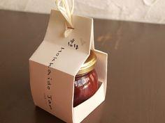 自休自足の手作りジャム Rice Packaging, Honey Packaging, Craft Packaging, Food Packaging Design, Jar Design, Bottle Design, Honey Shop, Jam Jar, Deodorant