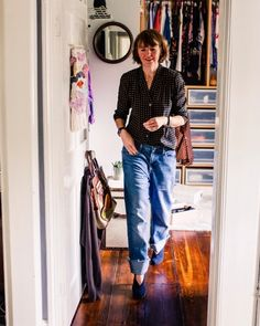 """Becky Leeson on Instagram: """"😆What a week😆 Who needs the extra hour in bed this weekend? I do! I've not stopped this week. Lots of exciting things happening…"""" Capri Pants, Shit Happens, Bed, Instagram, Fashion, Moda, Capri Trousers, Stream Bed, Fashion Styles"""