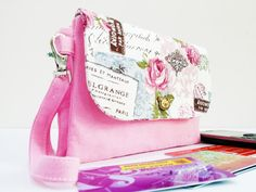 Check out this item in my Etsy shop https://www.etsy.com/uk/listing/254187436/2in1-double-wallet-zipper-wristlet-phone
