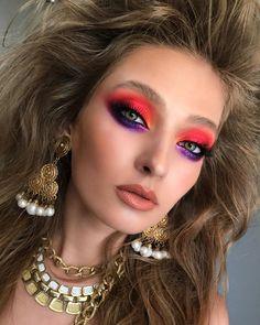 Enjoying The - Happy Makeup Artist Day, my beloved! Bullies, violate the rules . Rave Makeup, 80s Makeup, Eye Makeup Art, Eyeshadow Makeup, Purple Makeup Looks, Glow Skin, Sexy Make-up, Carnival Makeup, Eye Makeup Designs