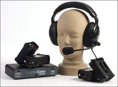 SISTEMA DE INTERCOMUNICACIÓN PORTACOM 40FC  Sistema dúplex con cable de 2  canales de alto rendimiento.  Tiene capacidad de hasta 20 auriculares