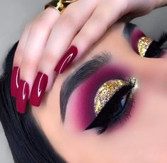 makeup style makeup style eye makeup makeup for beginners makeup kit price makeup aesthetic makeup 5 minute crafts makeup dp pic Makeup Eye Looks, Eye Makeup Art, Colorful Eye Makeup, Beautiful Eye Makeup, Crazy Makeup, Cute Makeup, Pretty Makeup, Eyeshadow Makeup, Makeup Kit