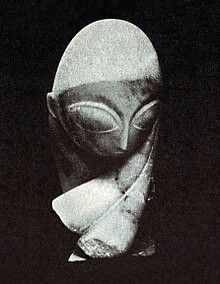 Constantin Brâncuși, Portrait of Mademoiselle Pogany White marble; limestone block, Philadelphia Museum of Art, Philadelphia. Exhibited at the 1913 Armory Show. Cubist Sculpture, Modern Sculpture, Limestone Block, Constantin Brancusi, Woodworking Inspiration, Philadelphia Museum Of Art, Magritte, Museum Of Modern Art, Large Art