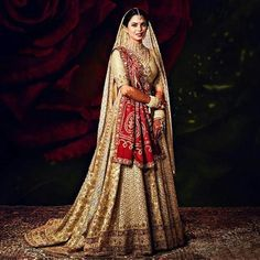 Latest Lehenga Designs We know its quite hustling to pick your dream wedding dress. Here Latest Lehenga Designs for the Brides of 2020 with Price. Wedding Lehnga, Indian Bridal Lehenga, Red Lehenga, Indian Bridal Outfits, Indian Bridal Fashion, Anarkali, Indian Dresses, Bridal Dresses, Lehenga Choli