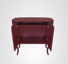 Bufê ou Buffet Bar Cabriolet. Forma clean e pintura laca vinho tinto, o resultado é show.Comprar www.movemovel.com.br