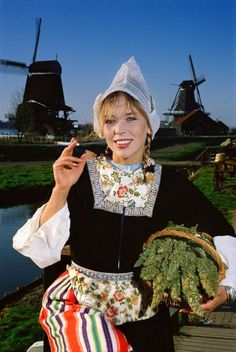 Dutch Cannabis Girl - that's my heritage :) Saunders Brown Bott
