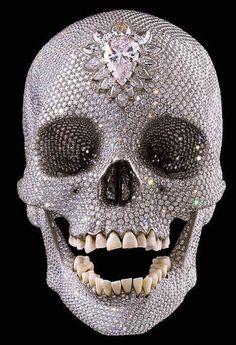 Um crânio joia!