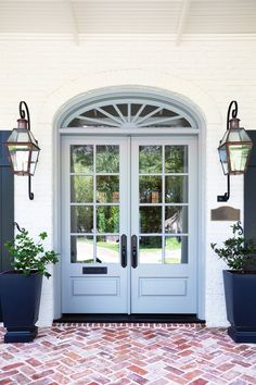 Benjamin Moore Cape May Cobblestone House Paint Exterior, Exterior Paint Colors, Exterior House Colors, Exterior Doors, Front Door Paint Colors, Painted Front Doors, Coastal Paint Colors, Paint Colours, Traditional Front Doors