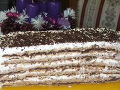 Ak máte dilemu, aké sladké dobrotyprichystať na vianočný stôl, odporúčame vám tortu Šeherezádu. Suroviny: 2 balenia tzv. tureckého keksu; na plnku: 5 karamelových pudingov, 15 lyžíc cukru, 1 a¼ litra