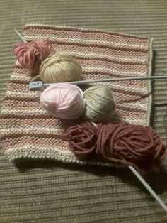 Gorro hecho con restos de lana.
