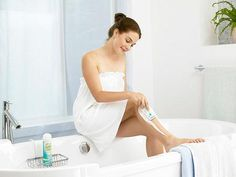 A Beginner's Guide to Female Shaving: Tips & Ideas for Easy Hair Removal at Home Get all the facts before you decide to start shaving. It's a personal decision, so trust your instincts just like you would about the makeup or clothes you wear. line hairs Best Hair Removal Cream, Best Laser Hair Removal, At Home Hair Removal, Shaving Tips, Shaving Razor, Leg Hair, Luxury Hair, Unwanted Hair, Skin So Soft