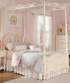 Lea Jessica McClintock Full Canopy Bed in Antique White