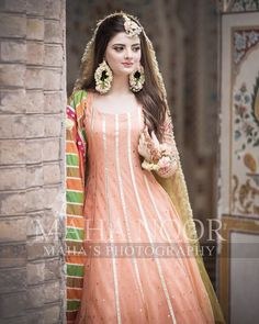 Image may contain: one or more people and people standing Pakistani Mehndi Dress, Bridal Mehndi Dresses, Simple Pakistani Dresses, Asian Wedding Dress, Pakistani Wedding Outfits, Wedding Dresses For Girls, Pakistani Wedding Dresses, Pakistani Dress Design, Bridal Outfits