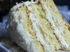 You have to try my perfect vanilla cake recipe! A few important tricks make a buttery, soft & moist vanilla cake. It's truly the best vanilla cake recipe! Best Coconut Cake Recipe Ever, Best Vanilla Cake Recipe, Coconut Recipes, Classic Pound Cake Recipe, Pound Cake Recipes, Pound Cakes, Cup Cakes, Butter Pound Cake, Coconut Banana Bread
