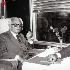 Il Presidente della Repubblica Italiana Sandro Pertini in treno verso Bologna (1984)
