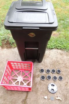 Worm Tea and Castings Vermicompost Bin : 6 Steps (with Pictures) - Instructables Composting Methods, Red Wigglers, Electronic Technician, Worm Castings, Milk Crates, Mesh Screen, Trash Bins
