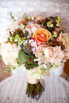 Peach-Pink-Rose-Berry-Fall-Bouquet