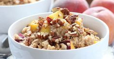 Peach cobbler oatmeal is an easy and delicious breakfast ready in less than 10 minutes! An oatmeal favor that the entire family will love!