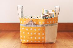 Noodlehead: Divided Basket Pattern. Only $6.50!!!! Will be my go-to shower gift! So cute filled with diapers and other baby goodies. Would be a great knitting tote too!