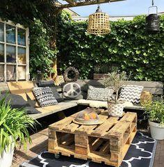 Small backyard ideas to create a charming hideaway luxury 67 diy backyard design ideas diy backyard decor tips Small Terrace, Small Backyard Gardens, Backyard Patio Designs, Small Patio, Backyard Landscaping, Backyard Ideas, Landscaping Design, Outdoor Gardens, Garden Ideas