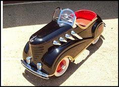 Auto de juguete de los años 40's