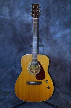 for sale yamaha fg 350w vintage acoustic guitar fg 350 w rare w hard shell hardshell case. Black Bedroom Furniture Sets. Home Design Ideas