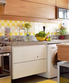 Revista Decorar mais por menos :: Por uma cozinha cheia de cor! - Fuja do convencional e invista em revestimentos e acessórios que levantam o astral desse ambiente!