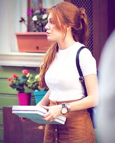 Elçin Sangu ✾ Turkish Fashion, Turkish Beauty, Prettiest Actresses, Beautiful Actresses, Red Heads Women, Girl Fashion, Fashion Outfits, Turkish Actors, Western Outfits