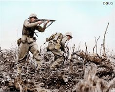 Pictured, two Marines from the Battalion, Marine Regiment during fighting at Wana Ridge during the Battle of Okinawa, May 1945 Nagasaki, Hiroshima, Okinawa, Marine Special Forces, Banks, Marine Colors, Colorized Photos, Ww2 Photos, Iwo Jima