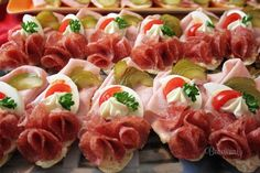 Tapas, Czech Recipes, Ethnic Recipes, Sandwich Platter, Open Faced Sandwich, Good Food, Yummy Food, Cold Appetizers, Food Decoration