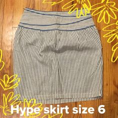 Hype skirt -size 6 Adorable skirt!! Excellent condition. See 3rd photo for side zipper closure. Hype Skirts Pencil