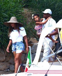 Beyoncé Jay & Blue Leaving Sardina Italy 18th August 2016