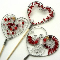 With Valentine's Day just around the corner, I thought it might be nice to have a feature on wire crafts and how you can use wire to craft so many decor and gift ideas - to make something whimsical or practical for someone you love.