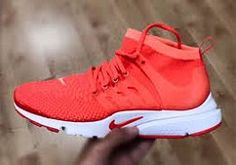 Nike LunarEpic Low Flyknit Womens Running Shoe