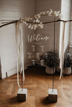 Wedding Decorations Panneau bienvenue moderne simple lunaria - Prepare for the dream-like state you're about to experience from this blush and silver winter wedding inspiration. Wedding Cards, Diy Wedding, Dream Wedding, Wedding Ideas, Fall Wedding, Trendy Wedding, Wedding Flowers, Bling Wedding, Decor Wedding