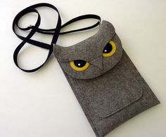 Owl sleeve for Kindle fire - Kindle 3 - Kindle keyboard - Gray felt - MADE TO ORDER. $55,00, via