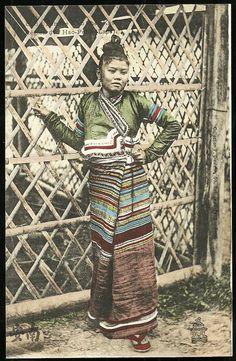 1910 Laos - Kas Woman Fashion