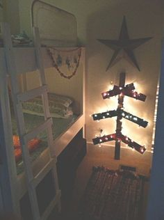 Heather's Pallet Christmas Tree by Heather Land, kellymoorebag     DIY