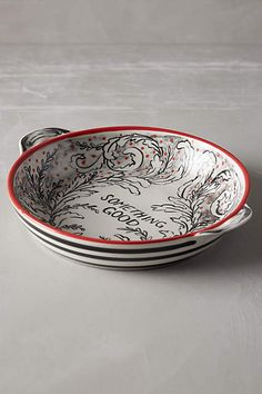 Anthropologie EU Molly Hatch Crowned Leaf Pie Dish. Molly Hatch is a sort of artist-of-all-trades who creates everything from fabric patterns to furniture to jewellery to pen-and-ink drawings, but we love her best for her idiosyncratic ceramics. Her designs are downright whimsical, like this collection of handpainted rustic bakeware.