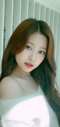 Kpop Girl Groups, Kpop Girls, Beautiful Asian Girls, Most Beautiful, Ulzzang Girl Selca, Cute Girl Wallpaper, Kim Min, Girl Face, Beautiful Celebrities