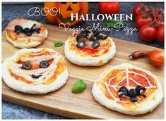 Sucht Ihr noch was tolles für´s Halloween-Buffet? Wie wäre es mit diesen Veggie Halloween Mini-Pizza - ein tolles Fingerfood!