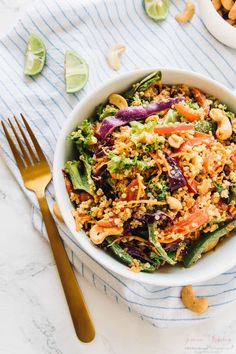 This Cashew Thai Quinoa Salad is a colourful, crunchy vegan meal perfect for a light lunch, dinner or appetizer! It's loaded with Thai inspired ingredients and dressed with a divine peanut ginger sauce!! via https://jessicainthekitchen.com