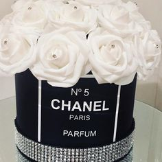 Black, white and bling 💎💎💎 Just plus postage. Chanel Birthday Party, Chanel Party, Hat Box Flowers, Flower Boxes, Chanel Inspired Room, Chanel Baby Shower, Chanel Bedroom, Chanel Flower, Glamour Decor