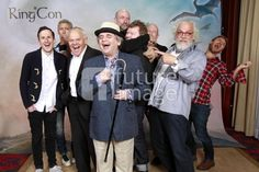 Another good Hobbit cast photo from RingCon. Dean, WHAT are you doing?!