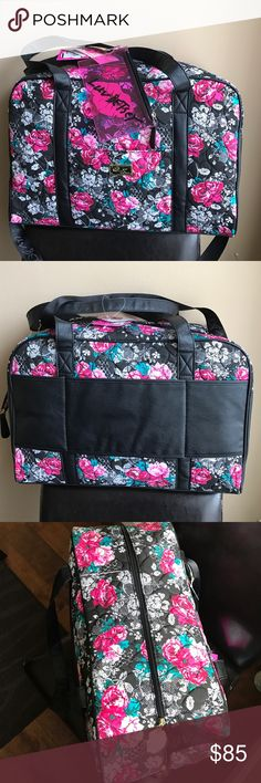❗️1 hr sale❗️Betsey Johnson weekender travel bag Great bag for your long weekend travel plans. Cute quilted hearts with floral rose pattern . Top zip closure. Also comes with small pouch . Bag has Short handles as well as long detachable strap . Betsey Johnson Bags Travel Bags