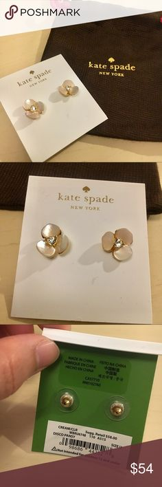 """Kate Spade Disco Pansy Earrings Ivory flower with gold base stud earrings from Kate Spade. Flower diameter is 0.5"""". In perfect condition. kate spade Jewelry Earrings"""