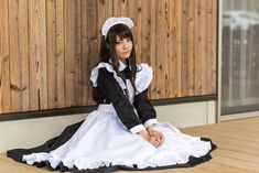 Victorian Maid, Female Pose Reference, Maid Cosplay, Maid Uniform, School Girl Outfit, Kawaii, Maid Dress, Female Poses, Girl Model