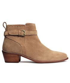 A warmer and more seasonally versatile alternative to ballet flats, these ankle boots make a great base for skinny jeans or leather leggings.