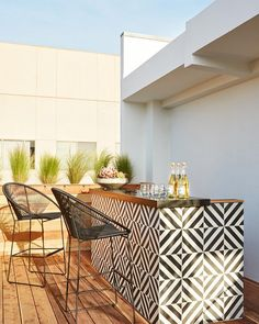 Just in time for summer we've gathered our favorite ways to maximize the party potential of even the most petite of patios. Follow the #linkinbio to learn more.  by Sam Frost